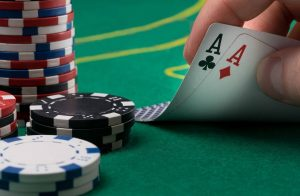 Try your hands in online casinos