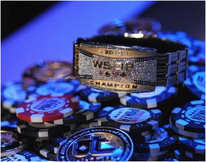 Do you want to become an expert poker player? Follow these tips!
